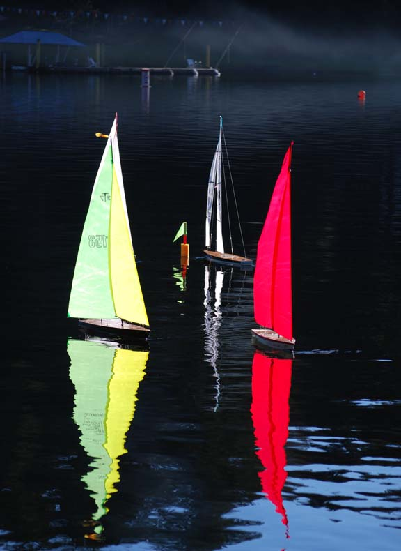 rc model sailing boats race