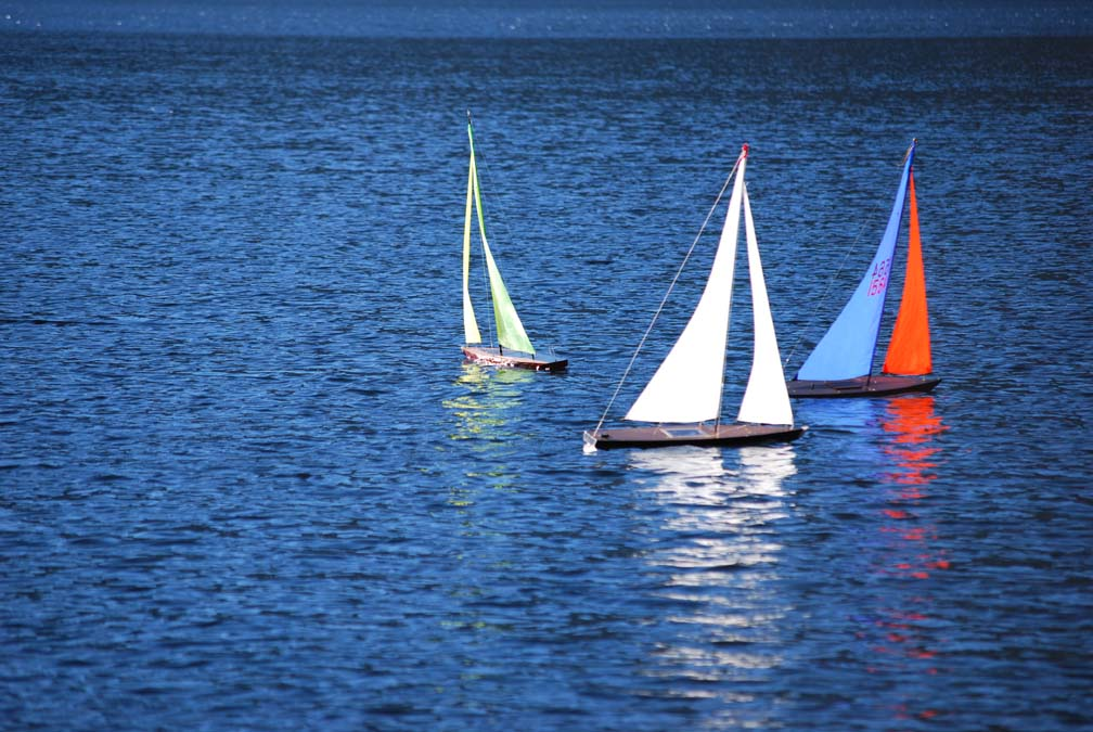 rc sailing boats