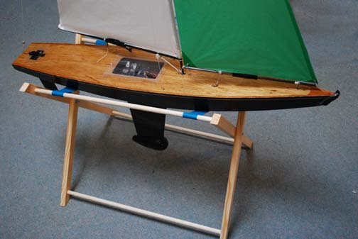 rc model sailboat stand