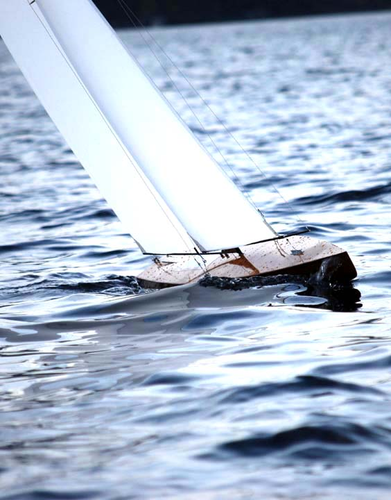 fast model sailboat